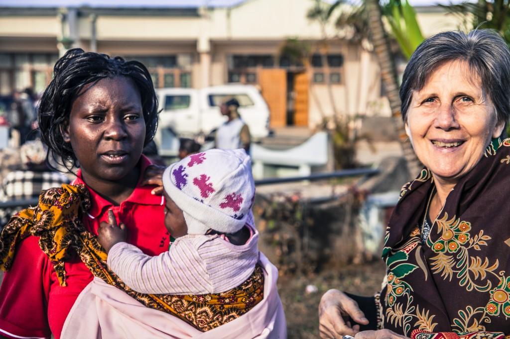 A missionária Giustina Zanato trabalha em Moçambique, na África. (Arquivo Pessoal)