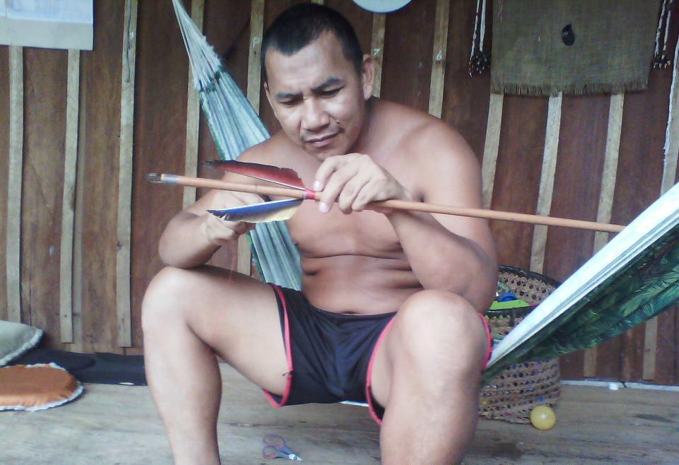 Índios do rio Cuieiras (AM) recriam cultura e pedem demarcação