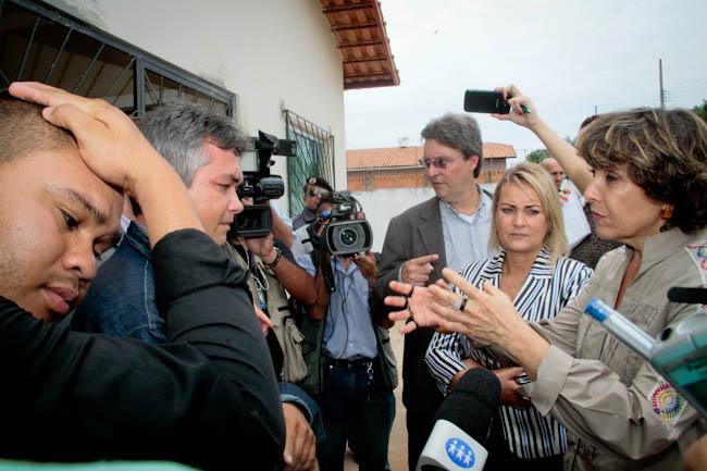 Deputadas Liliam Sá e Érika Kokay  durante diligência em Coari (Foto: Alberto César Araújo/Aleam)