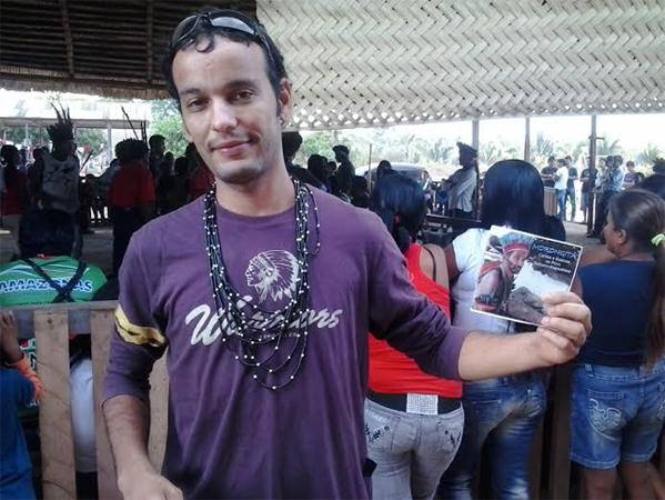 """Sandoval Amparo fez projetos culturais com os tenharim, um deles o CD """"Morogita"""" (Foto: Arquivo pessoal)"""