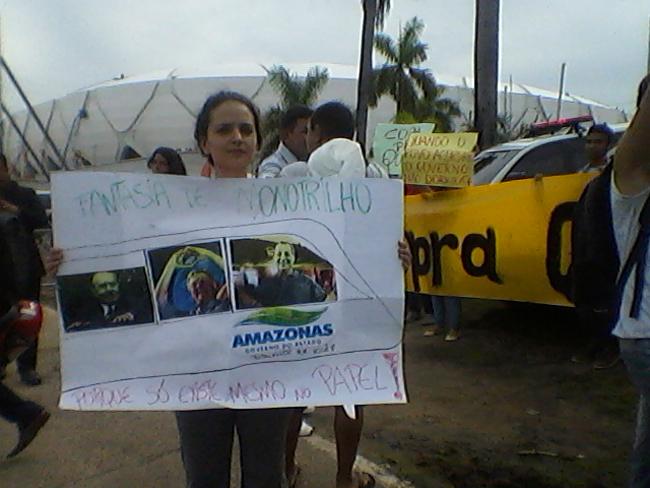 A ativista Cláudia Calliari do Movimento Vem Para Rua Manaus (Foto: Kátia Brasil/AR)