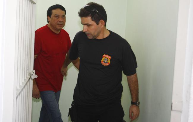 Em 2009, o prefeito ficou preso no mesmo quartel (Foto: Alberto César Araújo)