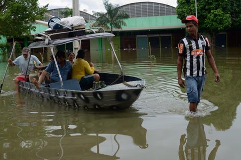 Enchente faz governo decretar calamidade em Rondônia