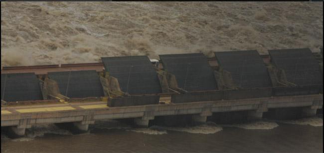 Barragem da usina de Santo Antônio  em Porto Velho (Foto: Nilo D'ávila/Greenpeace)
