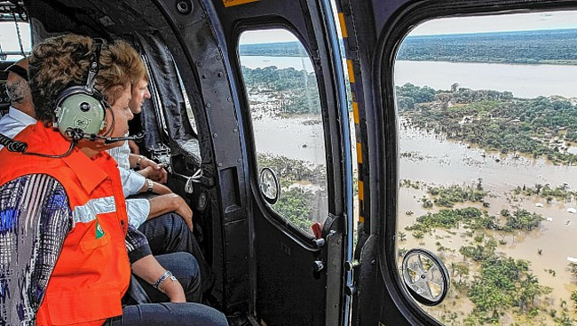 """Dilma diz que """"é absurdo"""" culpar usinas pela cheia do rio Madeira"""