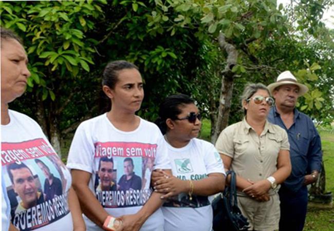 Famílias dos mortos cobram investigações da PF (Foto: Chico Batata Agecom/AM)