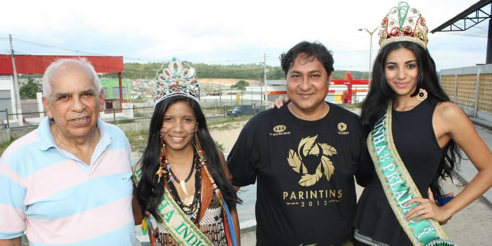 Arnaldo Santos, rainhas Brenda e Suelen, produtor Kid Mahall no Peladão 2013 (Foto Arquivo CPA)