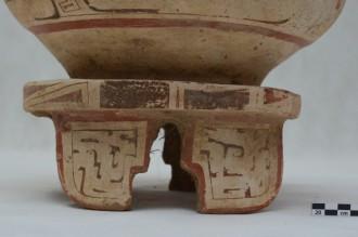 Urna com desenhos e adornos pode ter de 700 a 1.600 anos (Foto: Erêndia Oliveira)