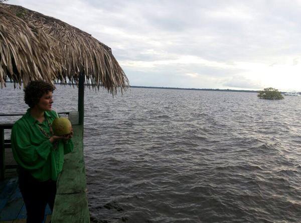 Em sua música a cantora amazonense Karine Aguiar mistura o batuque e a poesia amazônica (Fotos: Ygor Saunier)