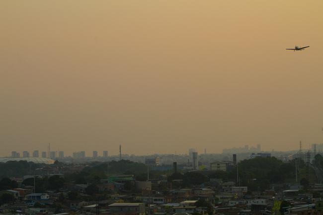 Cidade de Manaus enfrenta névoa de fumaças das queimadas do sul do Amazonas (FotoAmazonas: Alberto César Araújo