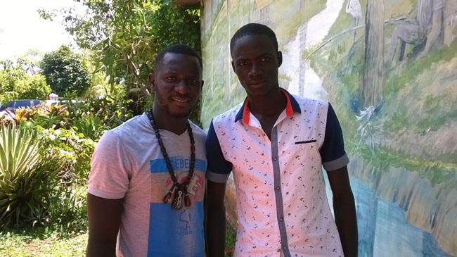 """NA REAL: Senegaleses dizem que é """"normal"""" medo do ebola"""