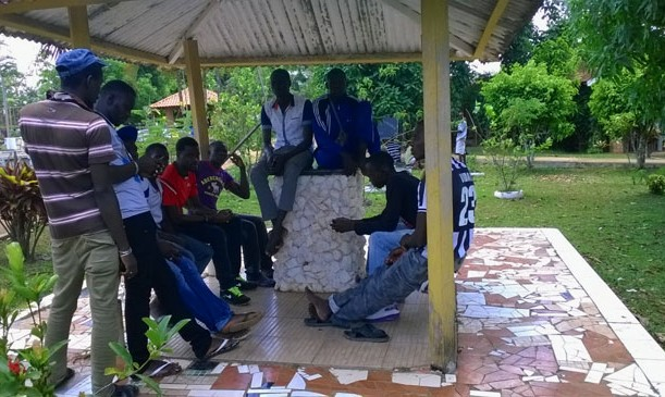 Imigrantes senegales e haitianos no abrigo Chácara Aliança em Rio Branco. (Foto: Freud Antunes/AR)