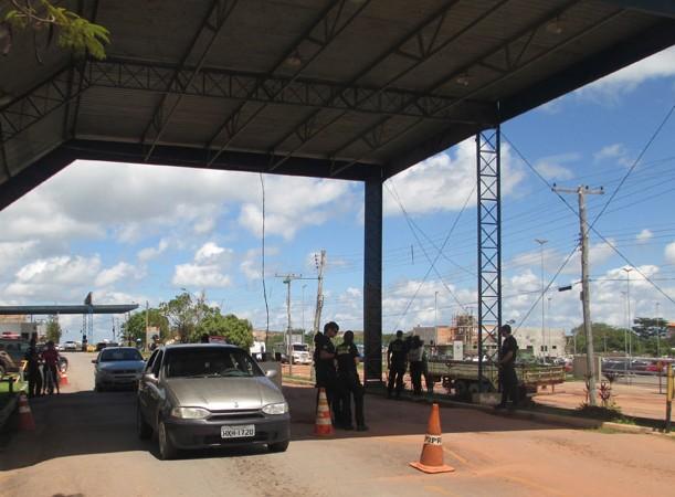 Brasileiros podem procurar ajuda da Receita Federal na fronteira de Pacaraima (Foto: Cora Gonzalo/AR)