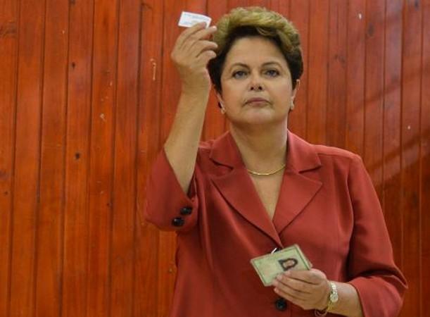 A presidente reeleita Dilma Rousseff durante votação em Minas Gerais (Foto: Antônio Cruz/Agência Brasil)