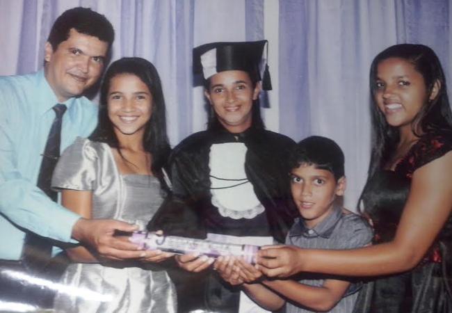 Stef Pinheiro, Irisneia e os filhos (Foto: Arquivo pessoal)