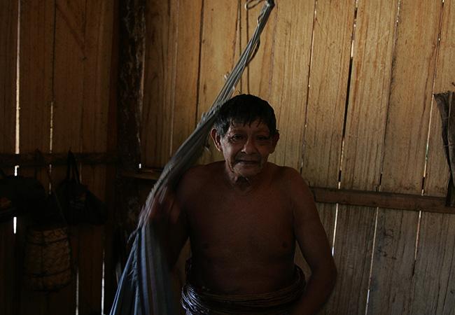Aruká usa na cintura o cinto feito de cipó titica (Foto: Odair Leal/AR)