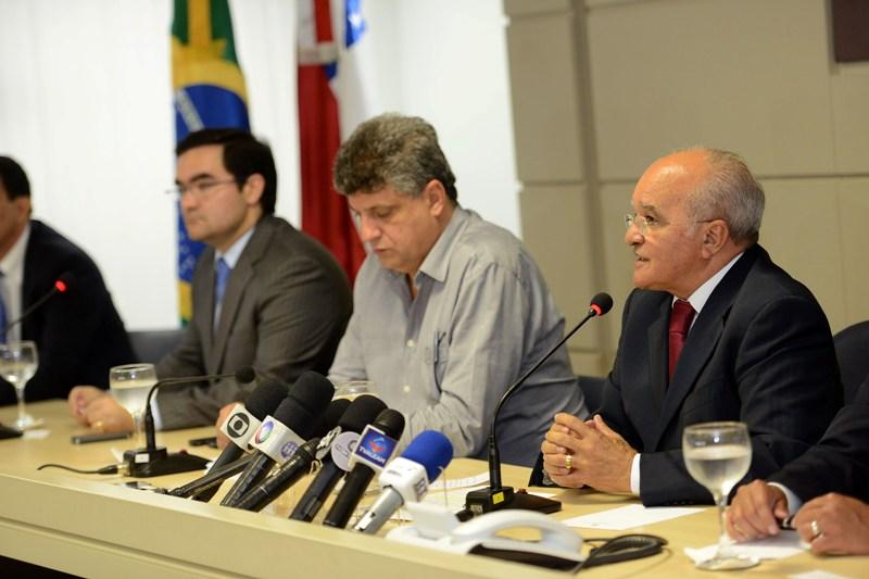 Governador José Melo anunciou a reforma nesta quarta-feira e disse que não sofreu pressão. (Foto:  Herick Pereira/Agecom)