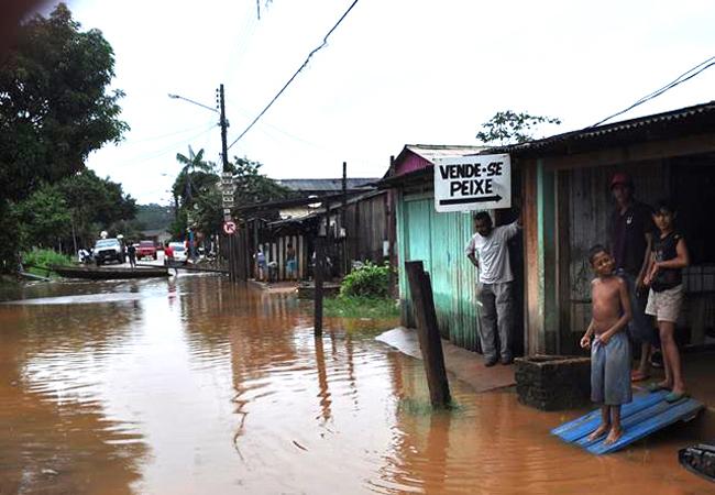 Em 12 de março, a cheia do rio Xingu alagou bairros em Altamira, no Pará, sede da usina de Belo Monte (FotoPúblicas: DEL JR)