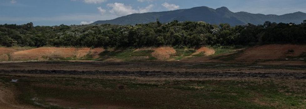 A seca no Sistema Cantareira em novembro de 2014(Foto: Mídia NINJA/Conta da Água)