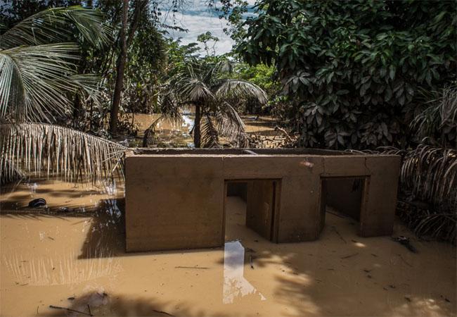 Vista dos fundos da casa onde viveu e morreu o líder dos seringueiros, Chico  Mendes.