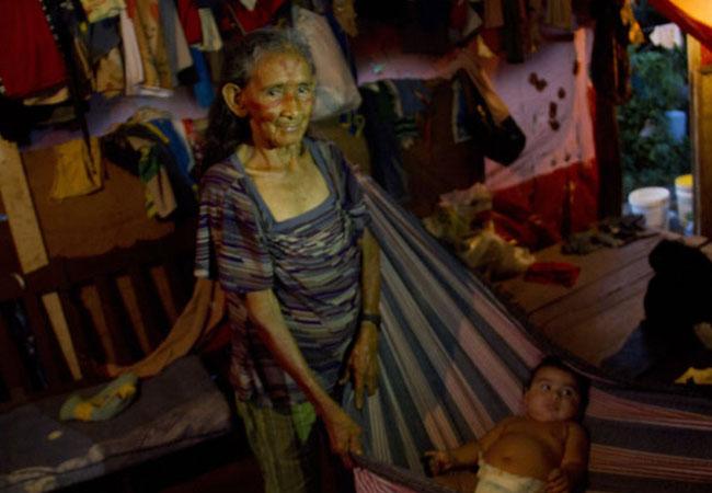 Justiça Federal manda retirar indígenas de terreno da Prefeitura de Manaus