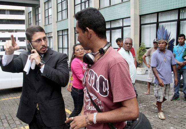 O defensor público Carlos Alberto cobrou os direitos dos indígenas na Justiça. (FotoAmazonas: Alberto César Araújo)