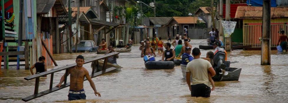 UMA PARTE DA AMAZÔNIA ESTÁ MAIS ÚMIDA DO QUE O NORMAL E CHEIAS SÃO RECORRENTES. (FotoAmazonas/Alberto César Araújo)