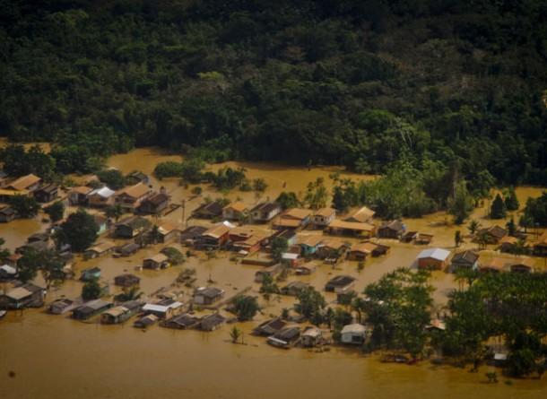 Cidade de Boca do Acre, no Amazonas, ficou submersa em 2015. (FotoAmazonas/ Alberto Cesar Araujo)
