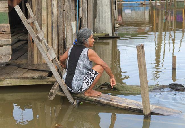 O rio Solimões invadiu as ruas da periferia de Tabatinga (Danilo Mello/FotoAmazonas)