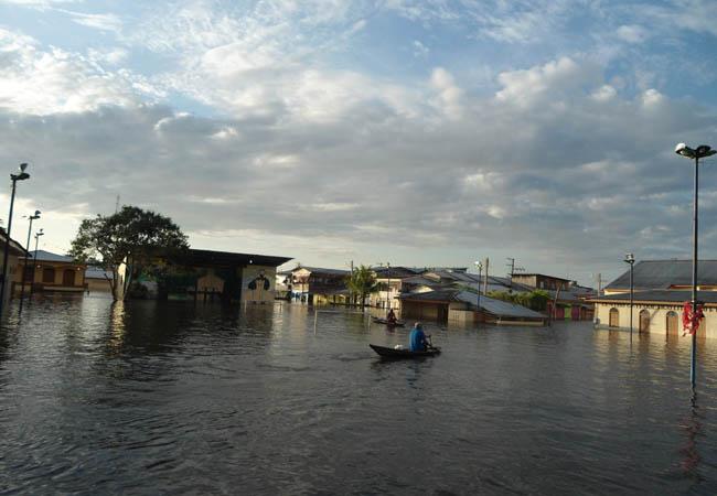 Rio Solimões bate recorde de cheia histórica e CPRM faz alerta