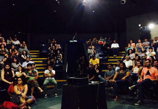 Exibição do filme no Teatro do SESC (Foto: Caio Cavechini)