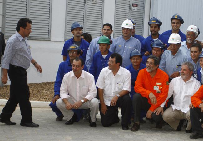 João Pedro durante evento com Lula em  obra de gasoduto, em 2006 (Foto: Alberto César Araújo)