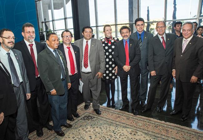 O novo chefe da Funai recebeu apoio de parlamentares (Foto: Mário Vilela/Funai)
