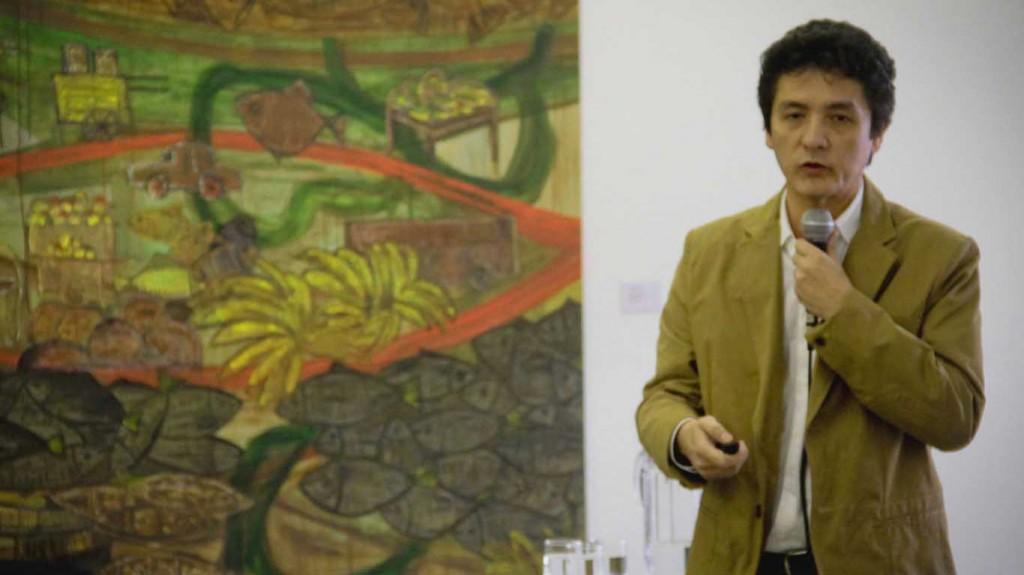 O geólogo Marco Antônio Oliveira durante debate sobre a crise hídrica (Foto de Alberto César Araújo/Amreal)