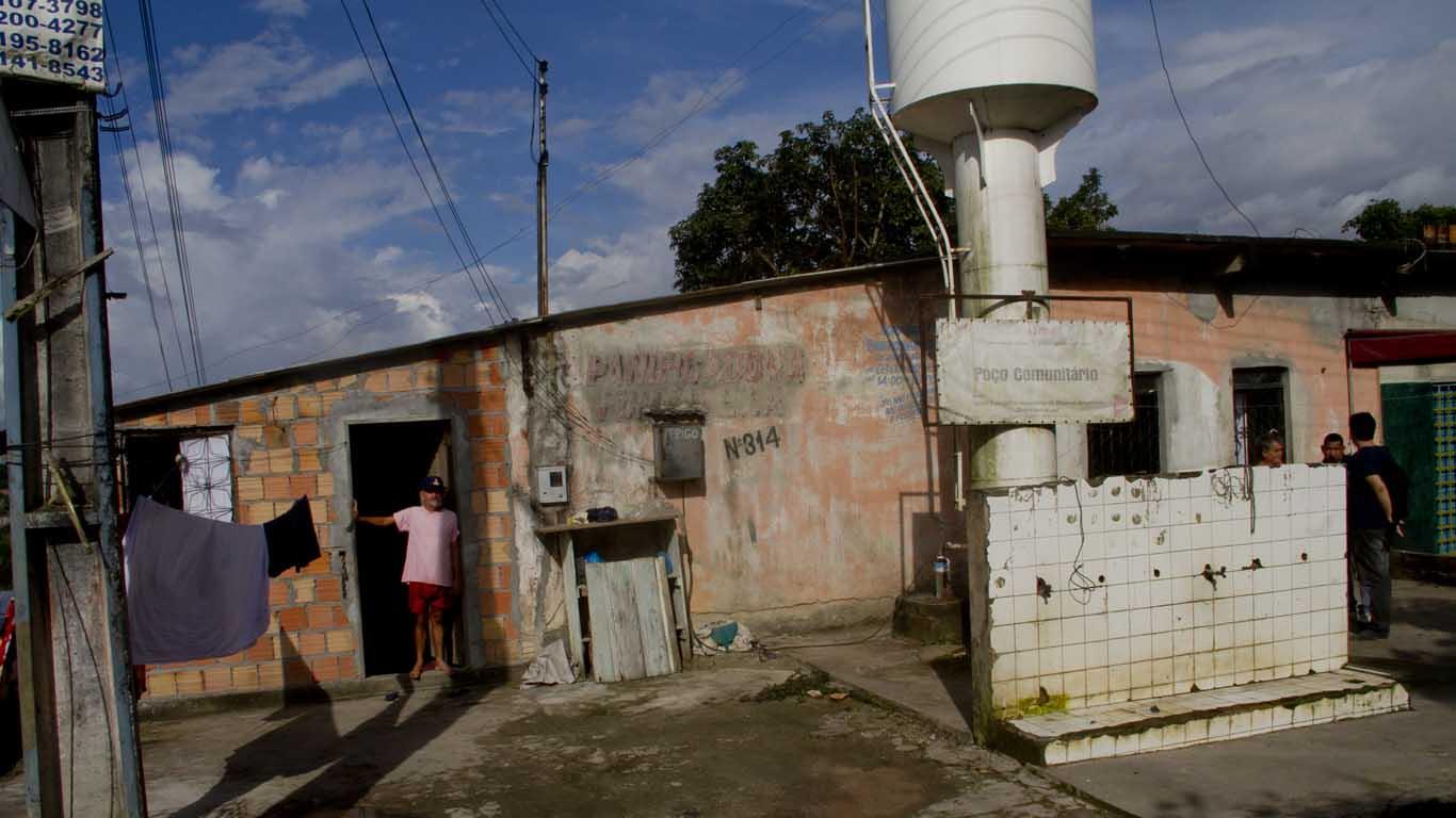 Poço artesiano que abastece famílias da Comunidade Jesus Me Deu, na zona norte de Manaus. (Foto: Alberto César Araújo/Amreal)