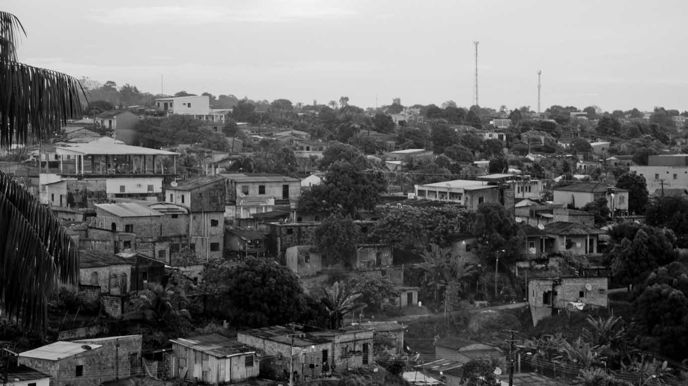 Moradores do Parque São Pedro sofrem com a  falta d´água. (Foto: Alberto César Araújo/Amreal)