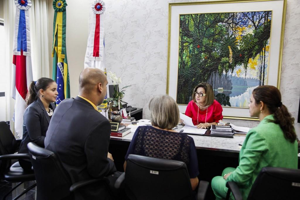 A desembargadora Graça Figueiredo prometeu acelerar o julgamento do caso. (Foto: Raphael Alves/TJAM)