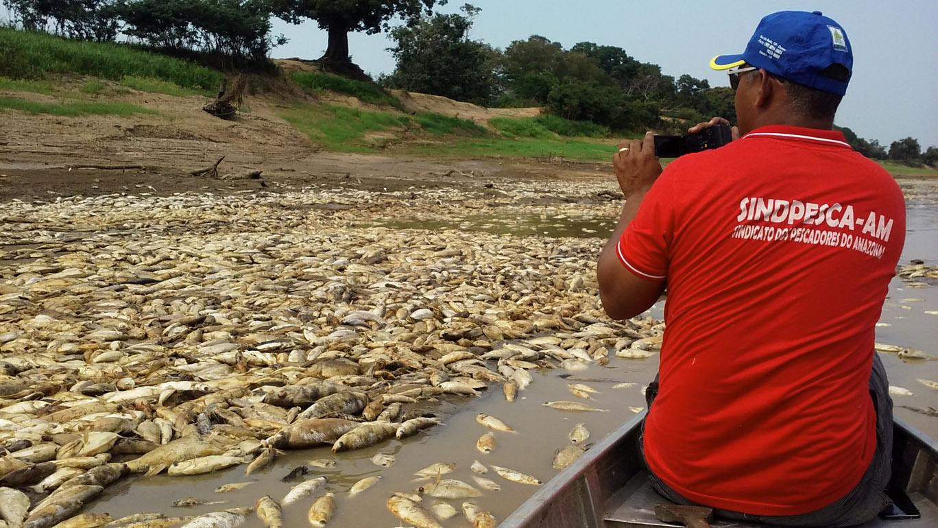 O pescador Joceni Oliveira  participou do levantamento do desastre ambiental (Foto: SindPesca)