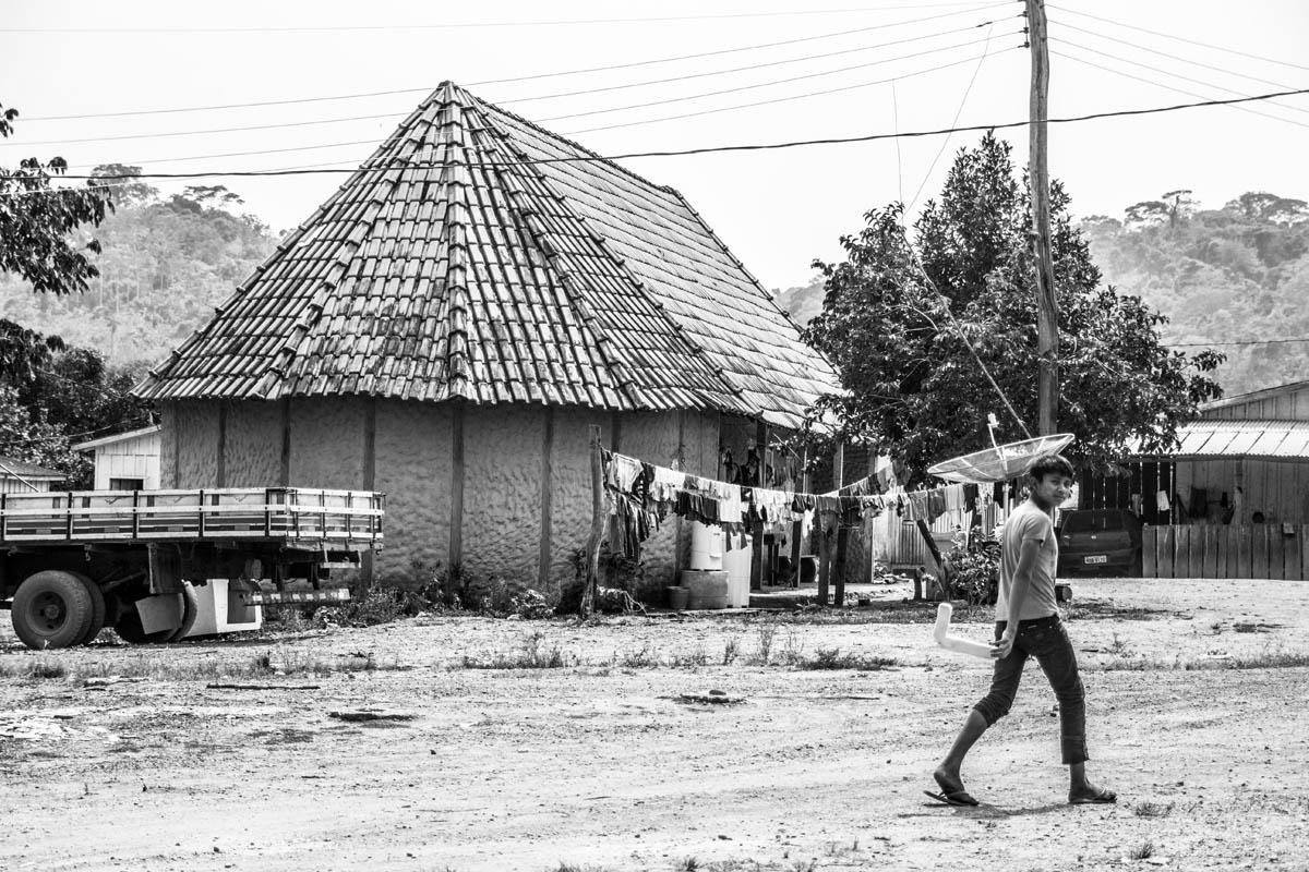 Na aldeia Roosevelt, o povo Cinta Larga espera vencer a barreira do preconceito (Foto: Marcela Bonfim/AmReal)