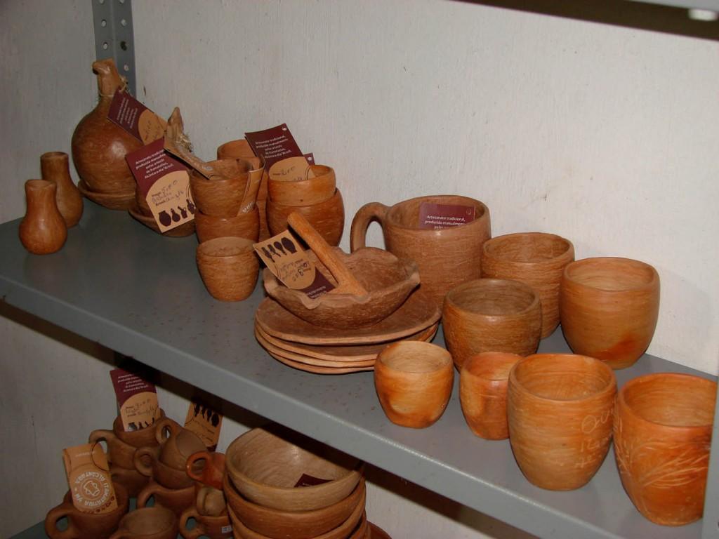 As cerâmicas da comunidade Itamatatiua (Foto: Paulo Hebmüller/AmReal)