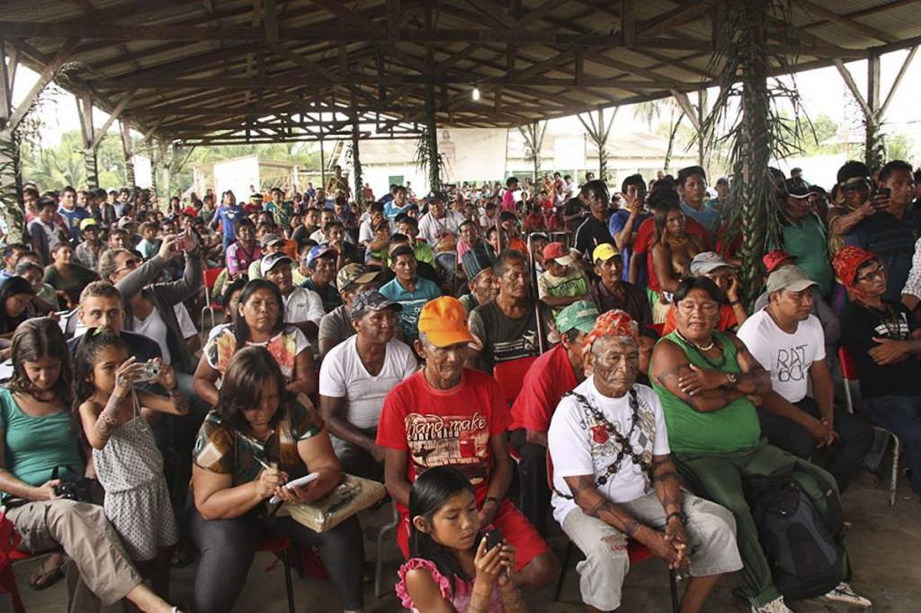 Indígenas Munduruku reúnem-se para discutir a situação de seu território. (Foto: Murilo Hildebrando de Abreu/MPF-PA)