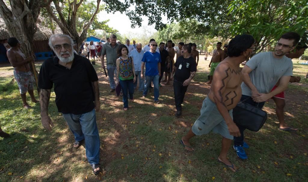 José Porfirio Carvalho (de preto) é o porta voz da etnia (Foto: Máio Vilela/Funai)