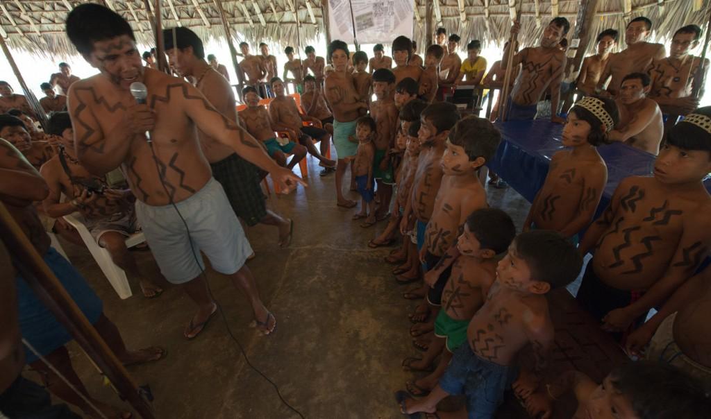 Crianças da etnia Waimiri-Atroari (Foto: Mário Vilela/Funai)
