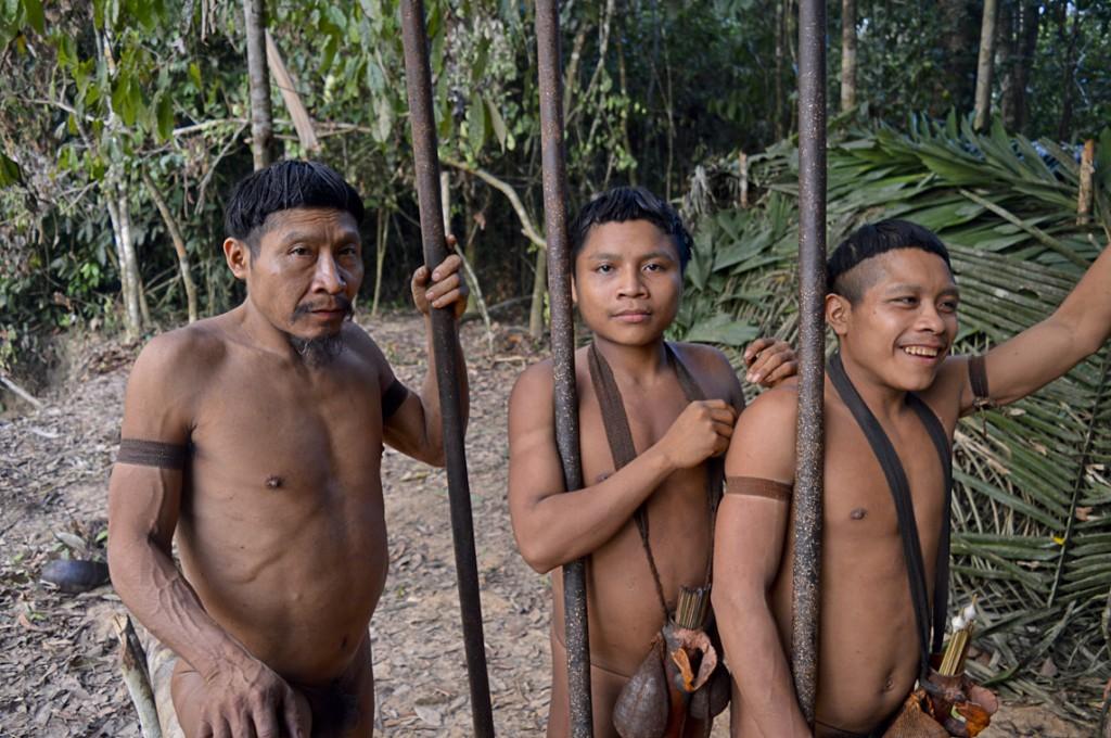 Índios Korubo que fizeram contato em 2015 (Foto: CGIIRC/Funai)
