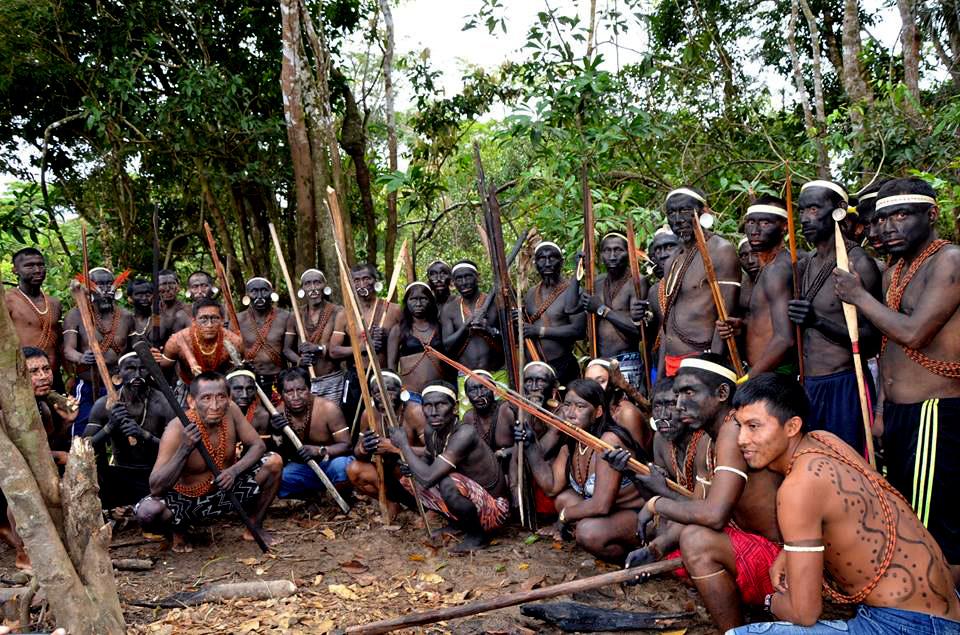 Indígenas Matís se preparando para ocupar a Funai. (Foto: Aima)