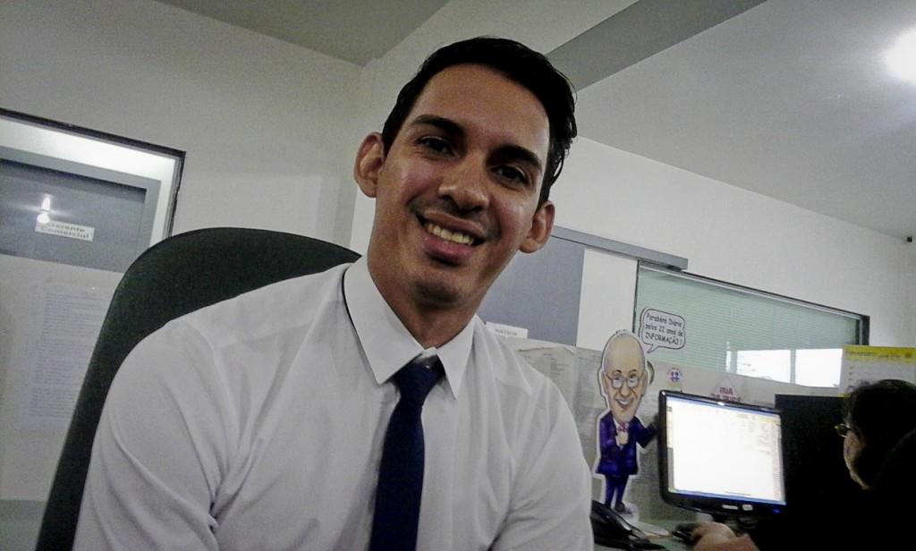 Paulo dos Santos trocou a redação pelo escritório de uma cooperativa (Foto: Ana Aranda/AmReal)