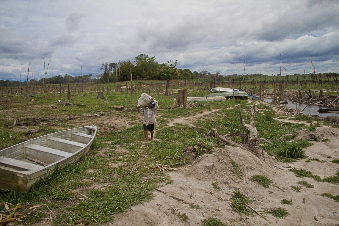 A seca na Comunidade Rumo Certo. (Foto: Alberto César Araújo/AmReal)