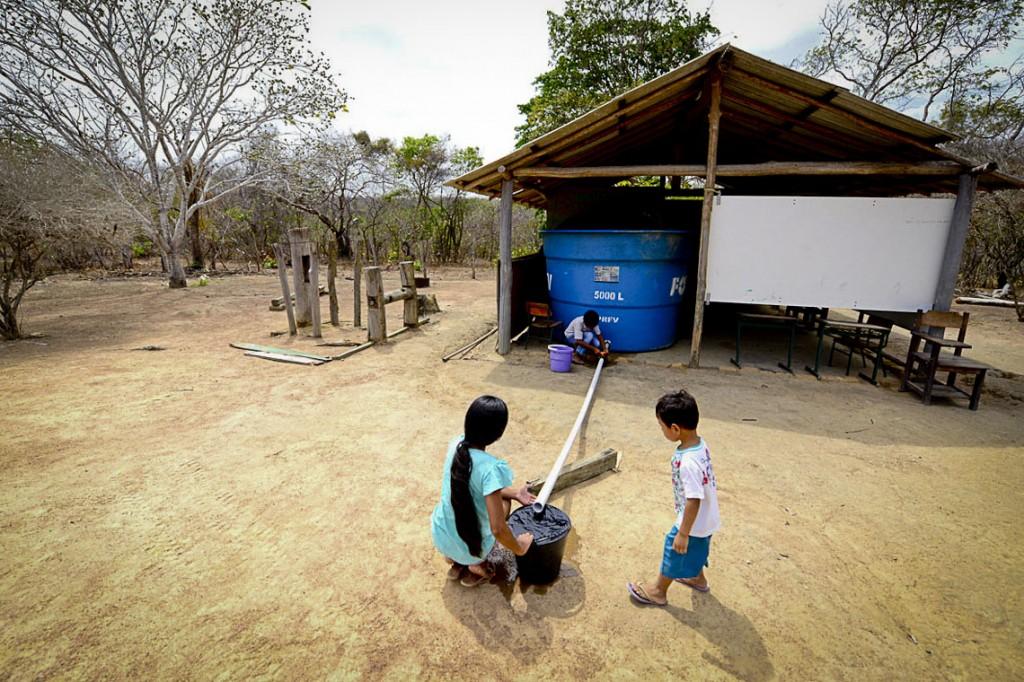 A seca na comunidade do Anzol. (Foto: Jorge Macêdo/Amazônia Real)