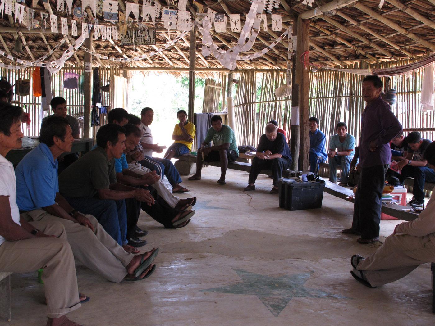 Os kumuã, intelectuais indígenas, do Rio Tiquié. (Foto: Aloísio Cabalza/ISA)