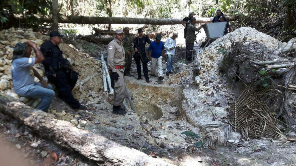 Polícia prendeu garimpeiros durante as buscas ao outro grupo desaparecido (Foto: Divulgação PC)